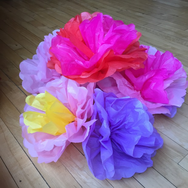 Easy diy paper flowers celebrate the big small giant tissue paper flowers from design sponge mightylinksfo